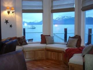 714 window seat & view