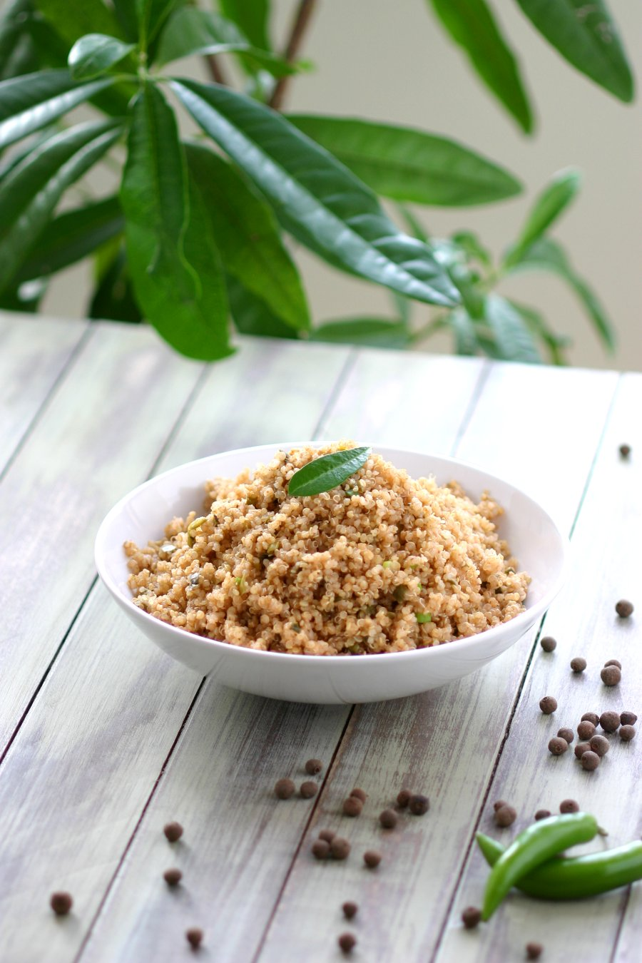 This Jamaican Jerk Quinoa combines chiles, allspice, nutmeg, cloves, and ginger for that spicy Jamaican taste. Great for making quinoa bowls, too!