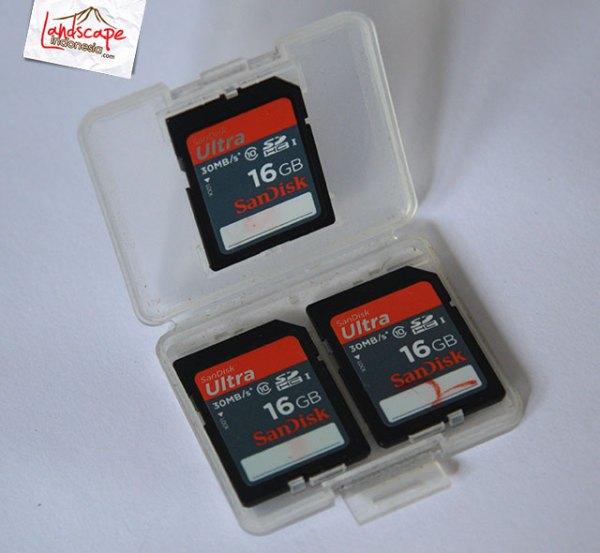 Peralatan Memotret Landscape - memory card