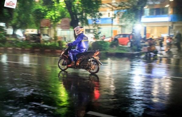 memotret hujan 1 - Memotret ketika hujan ? siapa takut