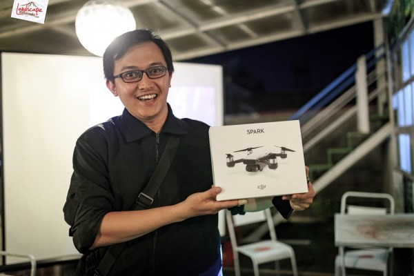 Solo Drone Fly Halal Bihalal dji spark