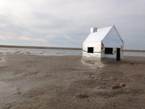 Op zoek naar een nieuwe huisstijl neem ik foto's van het 'spiegelhuis' op de Zandmotor bij Den Haag
