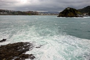 Bay of La Concha with the stirrings of a storm