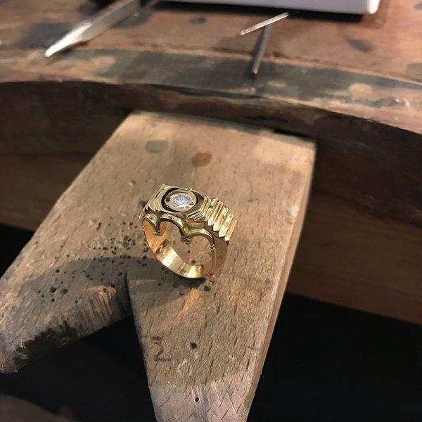 bague-or-jaune-diamants-1-carat