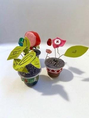 fiori con capsule del caffè