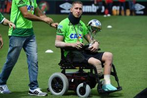Portero del Chapecoense que sobrevive a la tragedia y pretende ser atleta paralímpico
