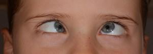 Pasar mucho tiempo frente a computadora genera síndrome de ojo seco