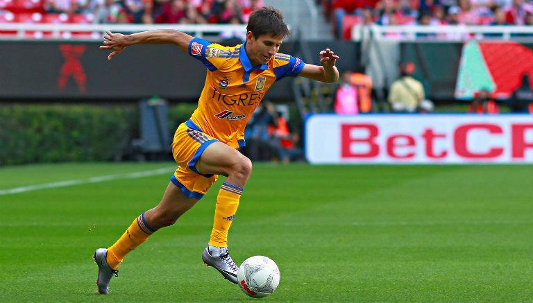 Futbolista mexicano entre los 5 más rápidos del planeta
