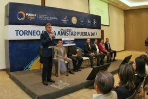 Tony Gali presenta el torneo de La Amistad Puebla 2017