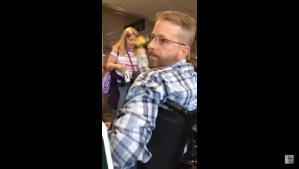 Otro caso de racismo en un aeropuerto de Estados Unidos (VIDEO)