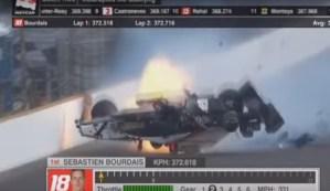 Terrible accidente en las 500 millas de Indianapolis; choca a más de 370km/h (Video)