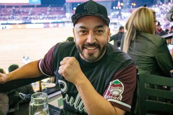 Así reaccionó Lupillo Rivera a broma sobre Belinda en partido de beisbol
