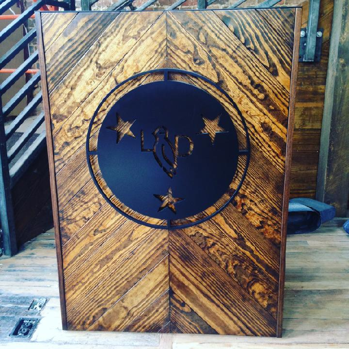 Lonesome Dove Entrance Stand