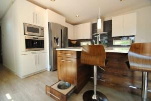 Modern Blend Walnut White Kitchen