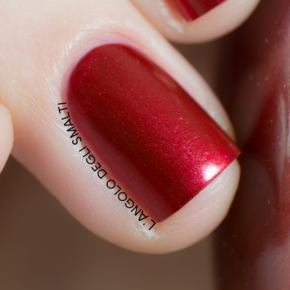OPI, A Little Guilt Under The Kilt (macro)