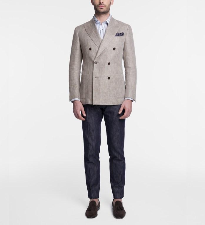 Abito da uomo spezzato: blazer doppio petto beige con pantalone blu