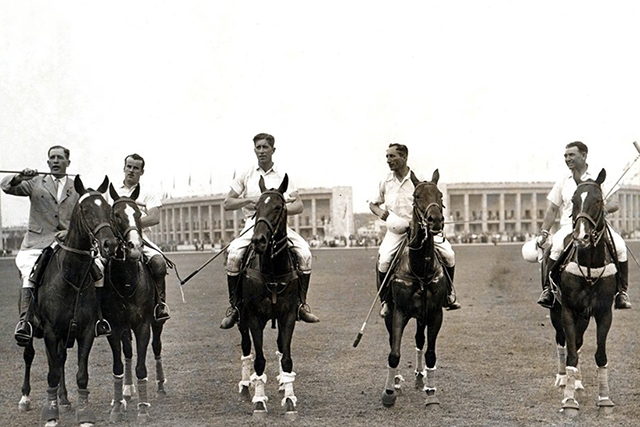 L'équipe du polo argentin vainqueur des Jeux Olympiques de 1924 à Paris