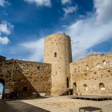 """""""Sulle orme di Federico II. Un viaggio culturale attraverso la Sicilia"""""""