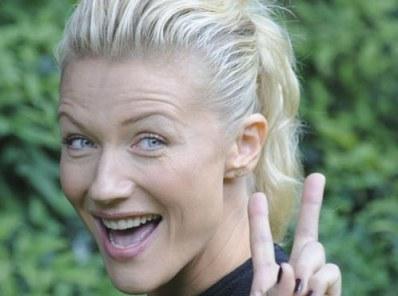 natasha stefanenko conduttrice di italia's next top model Foto