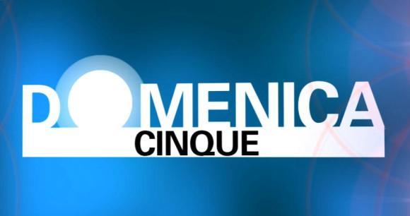 Domenica Cinque Canale5 Foto