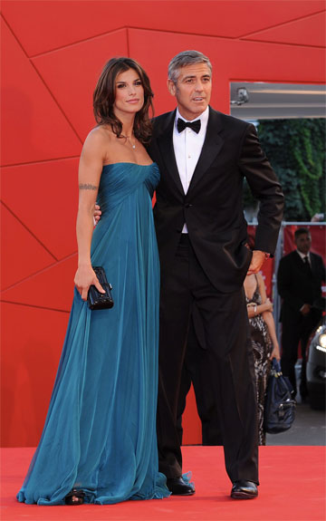 Foto di Elisabetta Canalis e George Clooney al Festival di Venezia 2009