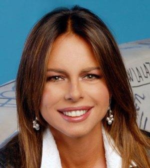 Paola Perego conduce L'isola dei Famosi 9