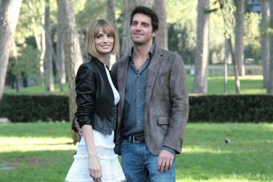 Giampaolo Morelli e Gaia Bermani Amaral in Baciati dall'amore