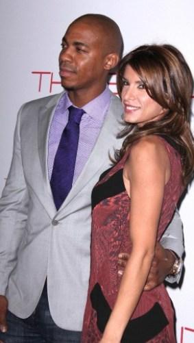 foto della showgirl elisabetta canalis con il fidanzato americano mehcad brooks