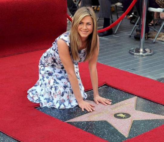 Jennifer Aniston riceve la stella sulla Walk of Fame