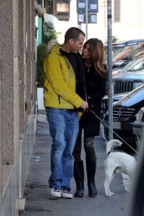 Elisabetta passeggia per Roma con il fidanzato Steve-O