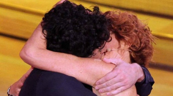 Ballando con le stelle bacio Lucrezia Simone