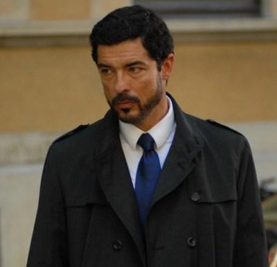 il giallo di Edoardo in Una grande Famiglia con Alessandro Gassman