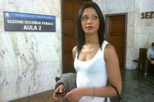 Processo Ruby: foto Berlusconi sesso con Ruby