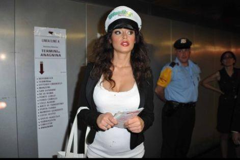 Raffaella Fico non è incinta di Mario Balotelli
