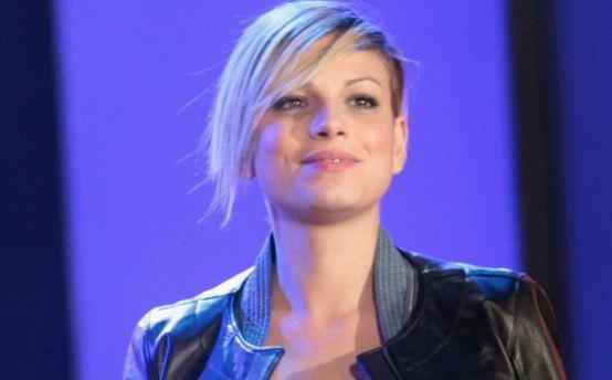 Foto di Emma Marrone che parla del concerto all' Arena di Verona