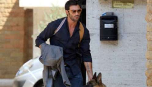 Francesco Arca protagonista del Commissario rex: foto dal set