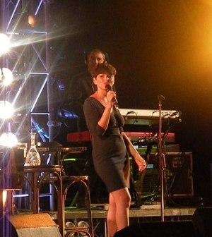 Arisa alias Rosalba Pippa durante il suo Amami Tour