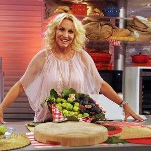 """Roma, 9 settembre 2011: Antonella Clerici conduce la nuova edizione di """"La prova del cuoco"""" in onda tutti i giorni alle ore 12.00 su Raiuno a partire da lunedì 12 settembre. La trasmissione è abbinata quest'anno alla Lotteria Italia."""