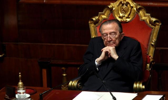 Morto giulio andreotti lanostratv for Il divo giulio