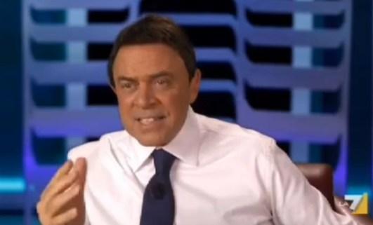 Maurizio Crozza imita Matteo Renzi nel promo di Crozza nel Paese delle meraviglie