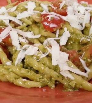 foto trofie pesto e pomodorini Cotto e Mangiato