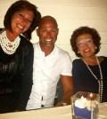 Foto Stefano Bettarini insieme alla sorella e alla mamma