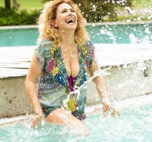 foto Barbara d'Urso in piscina