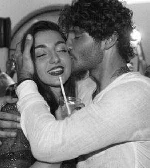 Foto Stefano De Martino insieme alla sorella