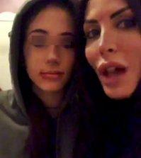 foto Guendalina tavassi e la figlia aggredite