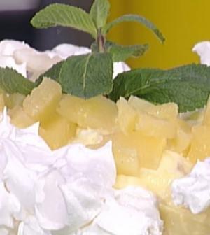 Foto torta pavlova con ananas La prova del cuoco