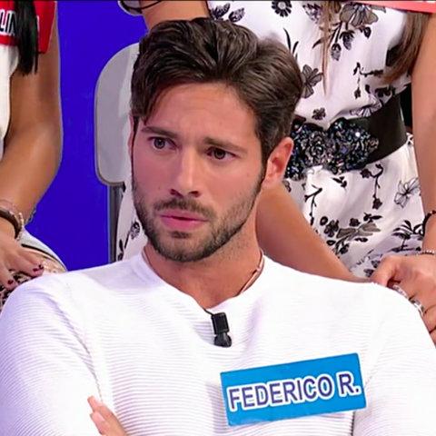 Insulti a Domenica Live tra l'attore Lorenzo Crespi e l'opinionista Karina Cascella