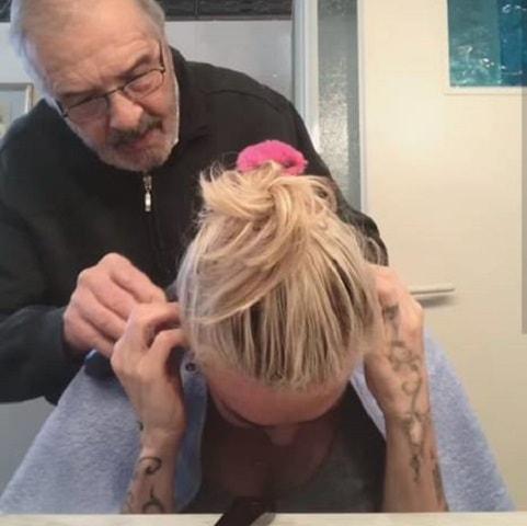 Il taglio dei capelli di paola barale