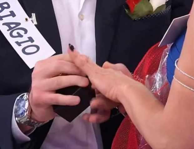 foto_uomini_e_donne_proposta_matrimonio