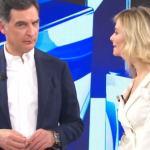 Francesca Fialdini e Tiberio Timperi ricevono una strana telefonata